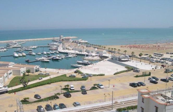 Il porto turistico di Rodi